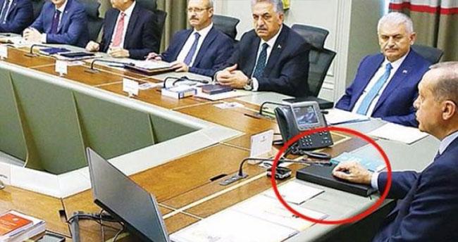 Erdoğan'ın kara kaplı defteri 30 ay sonra geri döndü