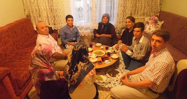 Karapınar Kaymakamı Karaca Vatandaşın evinde iftar yaptı