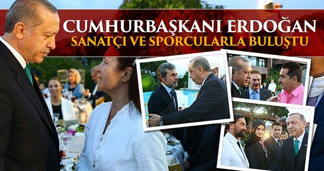 Erdoğan sanatçı ve sporculara iftar verdi