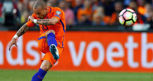 Sneijder'in menajeriden ayrılık açıklaması