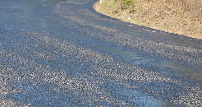 Muğla'da aşırı sıcaktan asfalt eridi