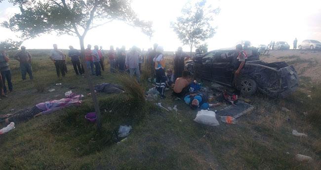 Konya'da tarım işçilerinei taşıyan kamyonet devrildi