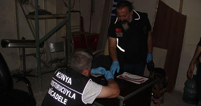 Konya'da kafelere uyuşturucu baskını