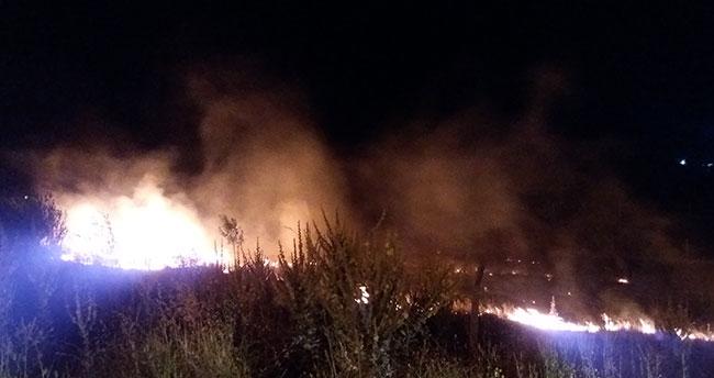 Konya'da düğünde atılan havai fişek yangın çıkardı