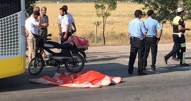 Konya'da motosiklet, belediye otobüsüne çarptı: 1 ölü