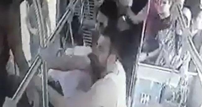 İzmit'te Şok!- Otobüsün önünü kesen 15 kişi, 5 askeri bayıltana kadar dövdü