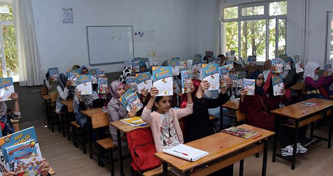 Büyükşehir'den Suriyeli öğrencilere 3 bin kitap