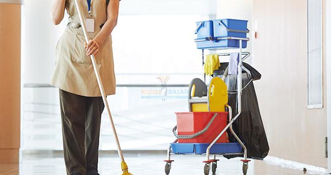 Evde temizlikçi çalıştırana devletten prim desteği geliyor