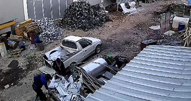 Konya'da hurda hırsızlığı güvenlik kamerasında