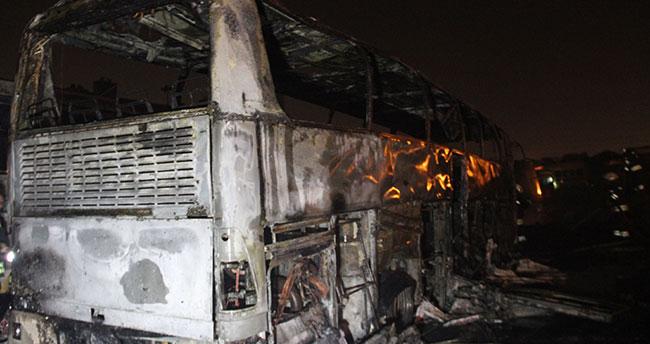 Konya'da 2 otobüs alev alev yandı