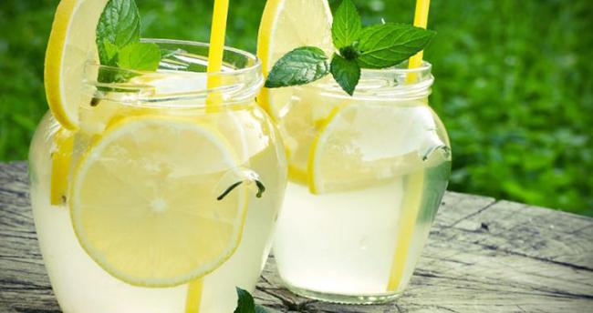 Maden suyunun inanılmaz faydaları! Günde bir bardak içerseniz…