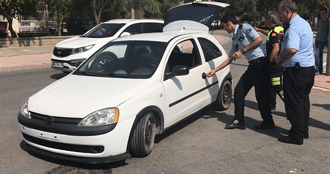 Konya'da ehliyetsiz sürücü kaza yapıp aracı bırakarak kaçtı