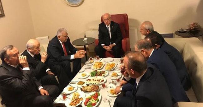Liderler Meclis'te bir araya geldi