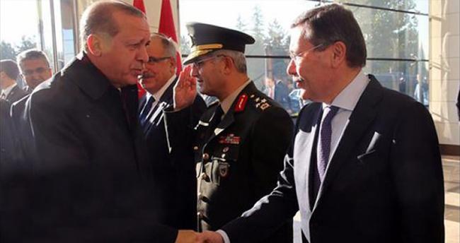 Erdoğan'ı uğurlayanlar arasında Gökçek de vardı
