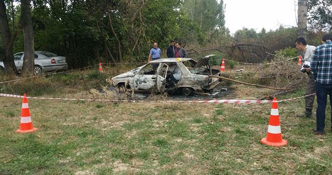 Konya'da yanmış otomobilde ceset bulundu