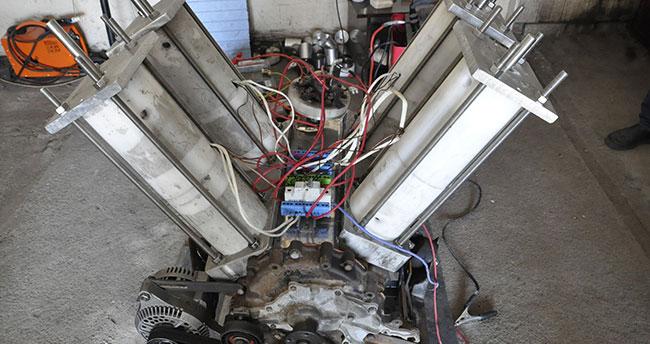 4 arkadaş atölyede kendi elektriğini üreten motor yaptı