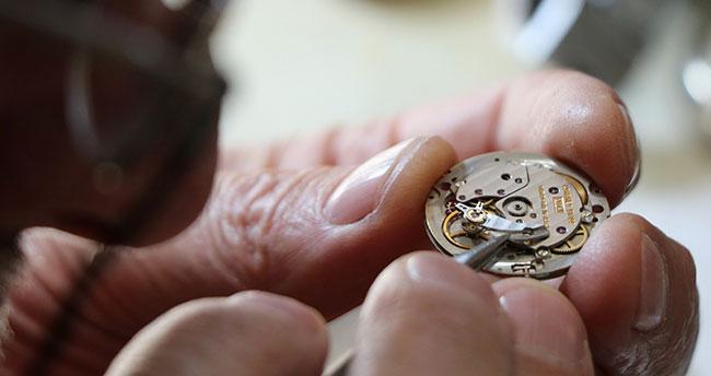51 yıllık antika saat ustası zamana direniyor