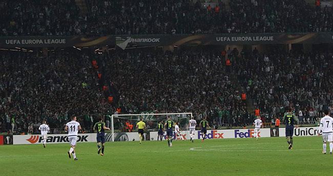 Konyaspor taraftarı yönetimi istifaya çağırdı