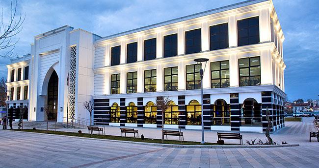 Konya İl Halk Kütüphanesi'nin çalışma süresi uzatıldı