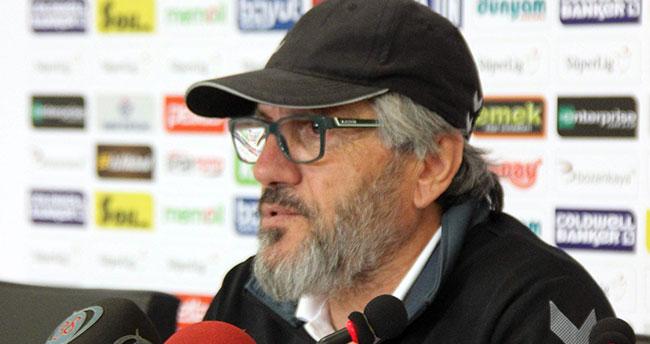 Atiker Konyaspor'da Mustafa Reşit Akçay ile yollar ayrıldı
