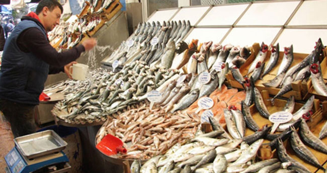 Balık fiyatları neden düşmüyor?