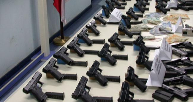 Konya'da silah operasyonu : 543 kuru sıkı tabanca ele geçirildi