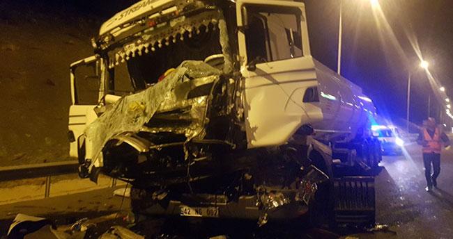 Konya'ya gelen tanker, tıra çarptı: 1 ölü