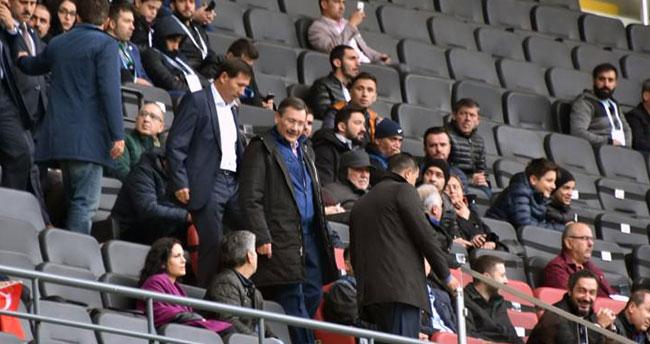Melih Gökçek Konyaspor Osmanlıspor maçında görüntülendi