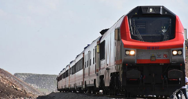 Bakü-Tiflis-Kars Demiryolu açılıyor