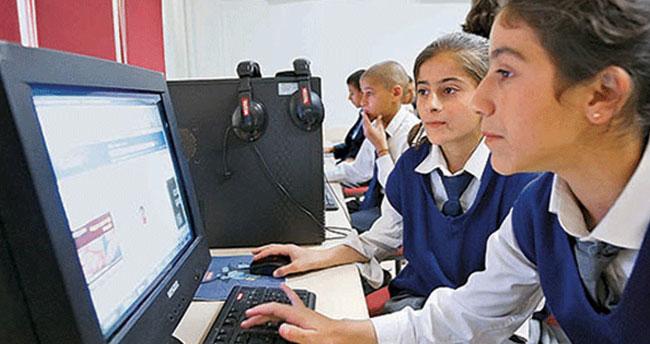Bakan Yılmaz müjdeli haberi verdi… Yeni derse yeni bilgisayar