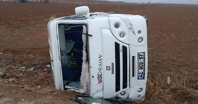 Konya'da öğrenci servisi devrildi: 19 yaralı