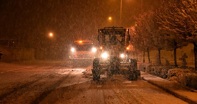 Konya'da kar ekipleri 24 saat görev başında
