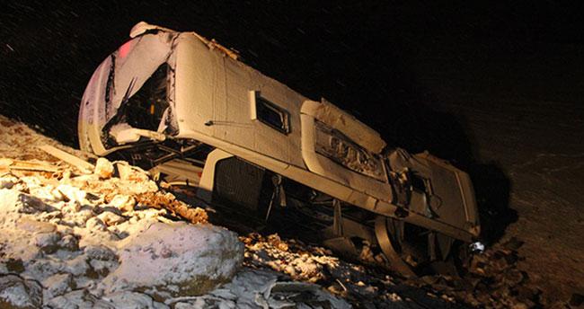 Konya'daki otobüs kazasında ağır yaralanan bir kişi öldü