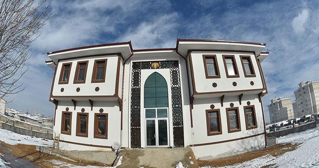 Şehir konakları Konya'yı sarıyor