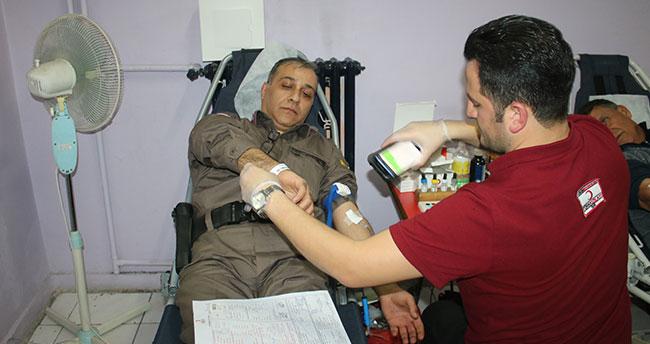 Beyşehir'de jandarmadan Kızılay'a kan bağışı