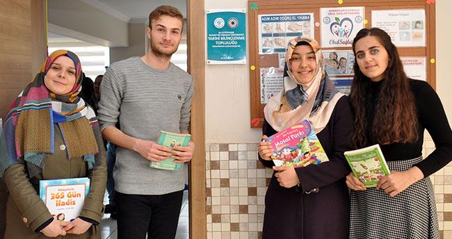 Konya'da gençler ilkokula kütüphane kurdu