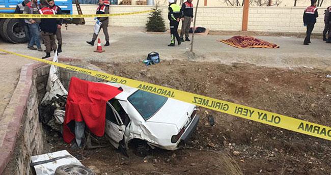 Konya'da 3 kişinin öldüğü kazada yaralanan kadın doğum yaptı!