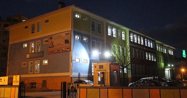 Konya'da pasta yiyen 10 öğrenci zehirlendi