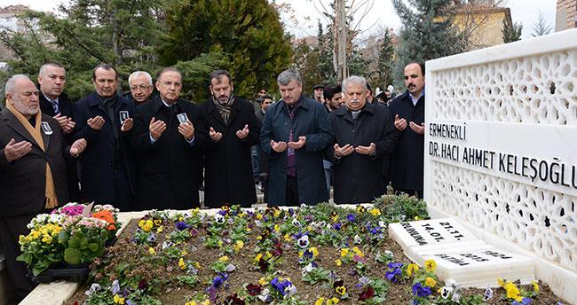 Dr. Ahmet Keleşoğlu mezarı başında anıldı