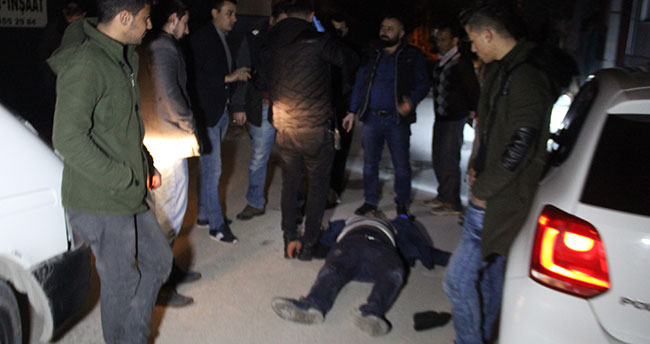 Konya'da esnaf hırsızı önce tekme tokat dövdü, sonra polise teslim etti