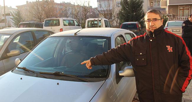 Konya'da bir sitenin otoparkında 16 arabaya mermi bırakıldı!