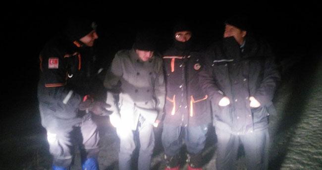 Konya'da kar fırtınasında aracında mahsur kalan kişi kurtarıldı