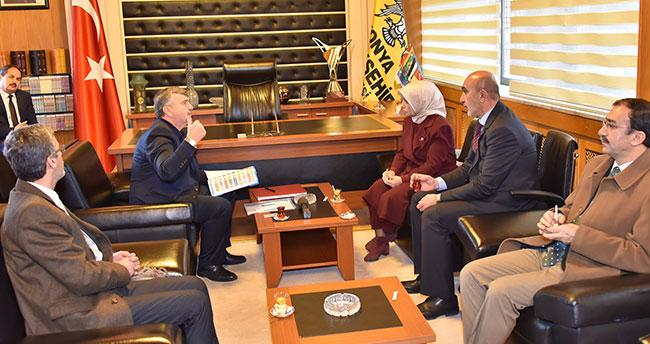 """""""Konya'nın başarısının sırrı sosyal belediyecilikte gizli"""""""