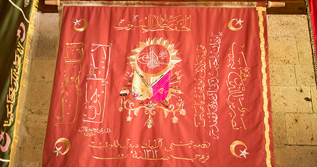 Osmanlı sancakları usta ellerde yeniden hayat buldu