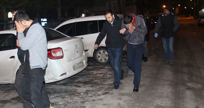 Konya'da hırsızlık : Çaldıkları otomobil ile hırsızlık yapamadan yakalandılar