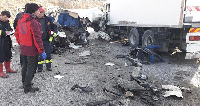 Van'da katliam gibi kaza : 8 ölü, 2 yaralı