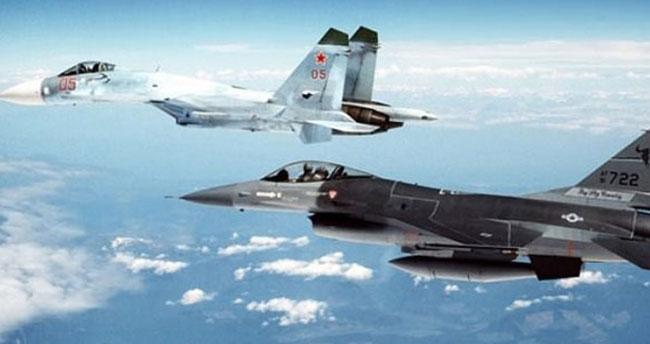 ABD'den Karadeniz'de keşif uçağını önleyen Rusya'ya tepki
