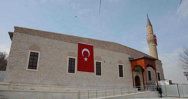 Tarihi Alaaddin Camii'nin Restorasyonu Tamamlanan Doğu Bölümü İbadete Açıldı