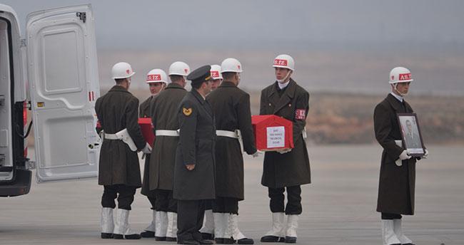 Afrin Şehidimiz için Gaziantep Havalimanı'nda tören düzenlendi