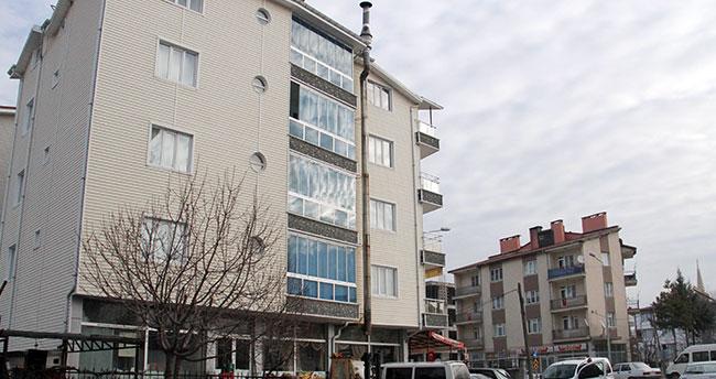 Konya'da 3. kattan düşen genç yaralandı